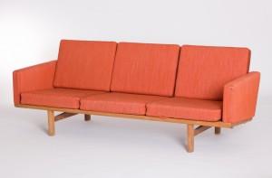 L1352 Hans Wegner GE236 3-seater sofa
